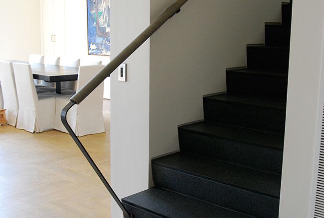 Fabrication et pose d'un escalier en marbre
